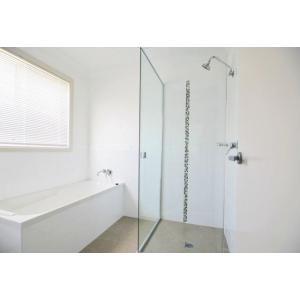 Bathroom with bath.jpg